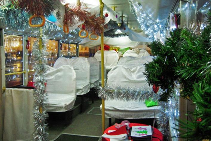 Новогодняя елка в ВолшеБусе