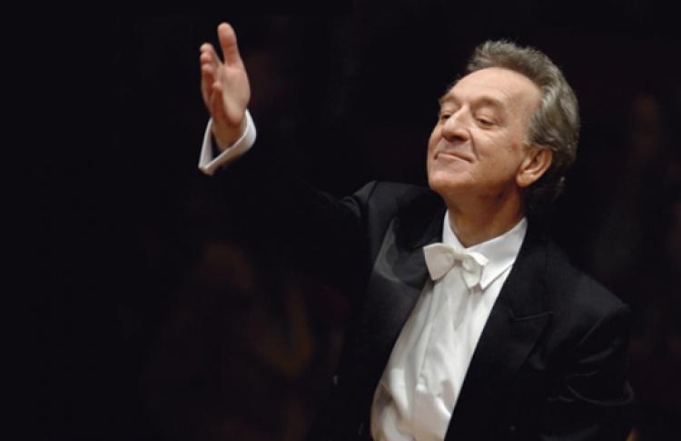 Академический симфонический оркестр Филармонии, дирижер Ю. Темирканов, солист Т. Квастхофф