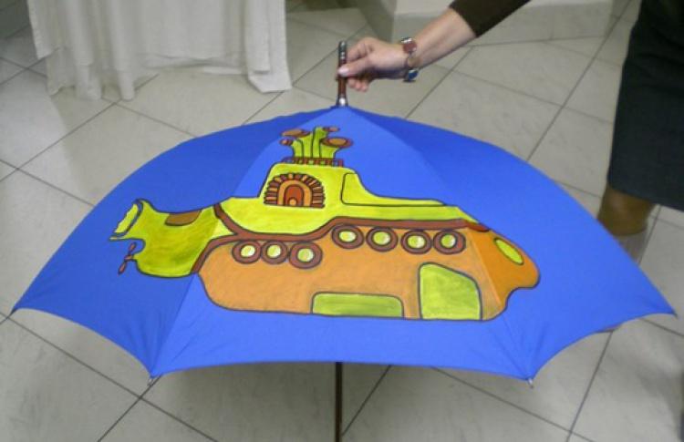 Роспись по ткани: зонты, футболки, сумки