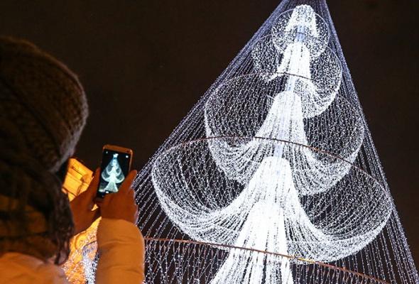 Лучшие новогодние елки мира: фотогалерея - Фото №0