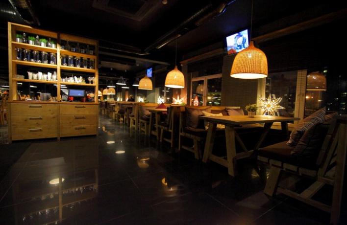 Напроспекте Науки открылся бар-ресторан Vseхорошо