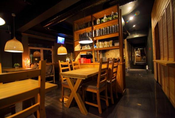 Напроспекте Науки открылся бар-ресторан Vseхорошо - Фото №1