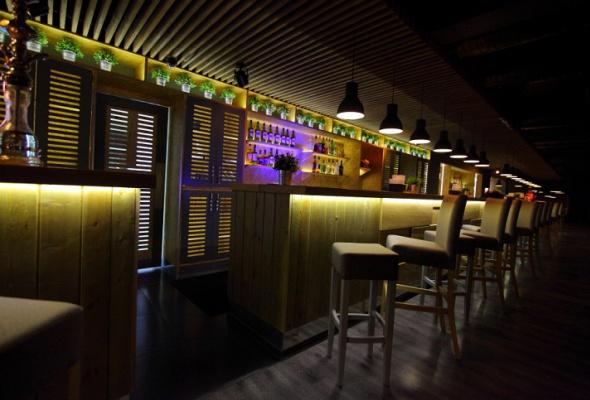 Напроспекте Науки открылся бар-ресторан Vseхорошо - Фото №4
