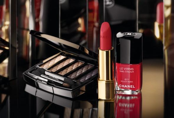 Рождественская коллекция макияжа Chanel - Фото №0