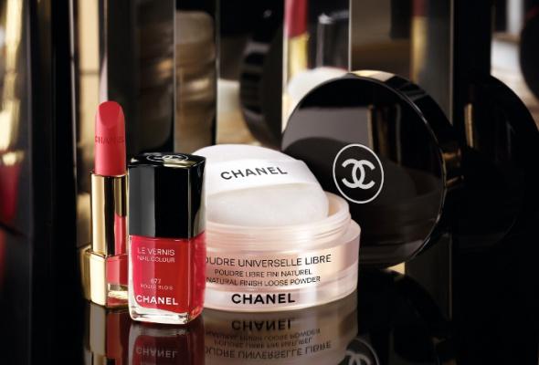 Рождественская коллекция макияжа Chanel - Фото №1