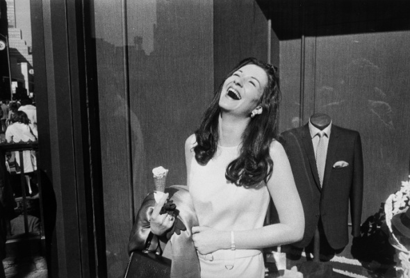 Гарри Виногранд «Женщины прекрасны» - Фото №2