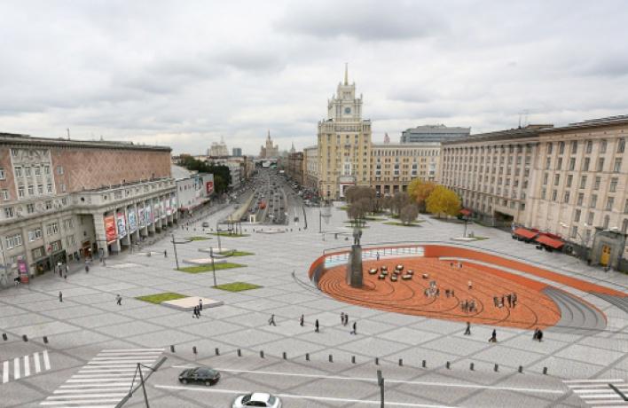 Обновление Триумфальной площади продолжается