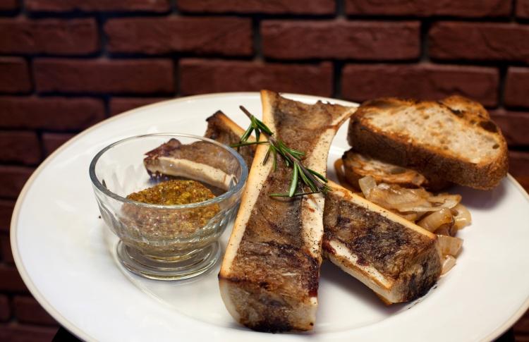 Тренд: блюда с мозговыми косточками Фото №426963