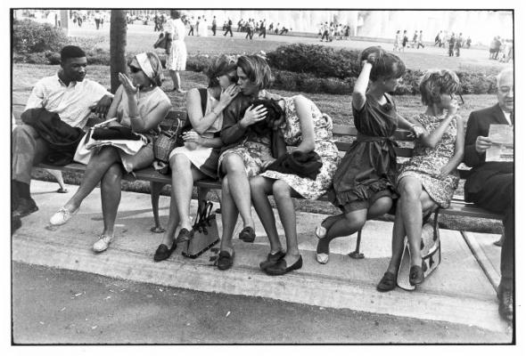 Гарри Виногранд «Женщины прекрасны» - Фото №0