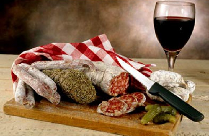 Итальянские копчености иколбасы