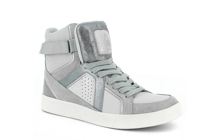 Футуристическая обувь