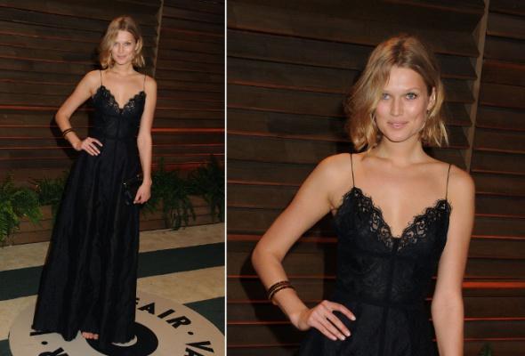 Звездный тренд: черное платье в пол - Фото №4