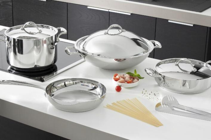 В России появился бренд премиальной посуды LAGOSTINA
