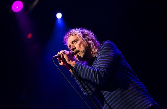 Роберт Плант отложил концерты в России