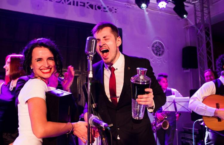 Победителем национального этапа BACARDI Legacy Cocktail Competition 2014 стал Алексей Боткунов из новосибирского бара Friends