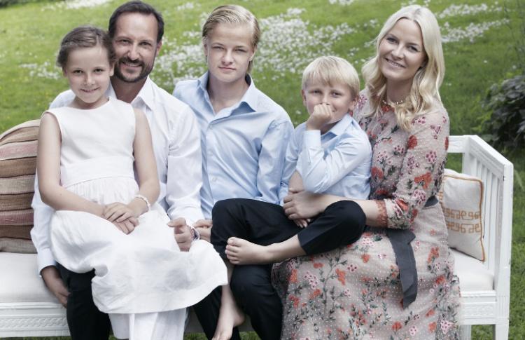 5 молодых королевских семей  Фото №433485