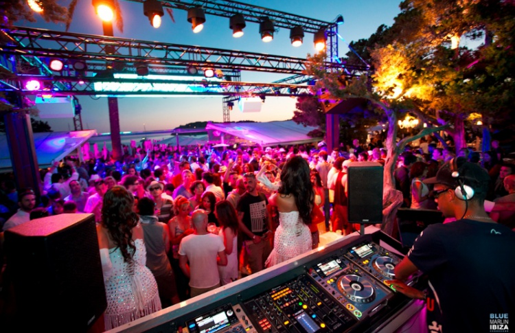 «Sails Up! Maxim Summer Club»: DJs Dmitry Rybakov, NikitaNonStop
