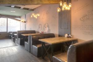 У метро Озерки открылся чешский пивной ресторан Karlovy Pivovary