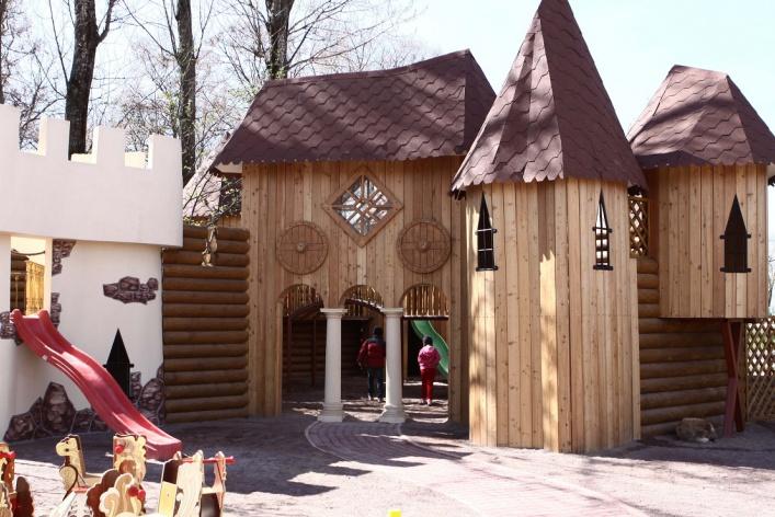 На майских праздниках в ресторане «Карл и Фридрих»открывается детский городок