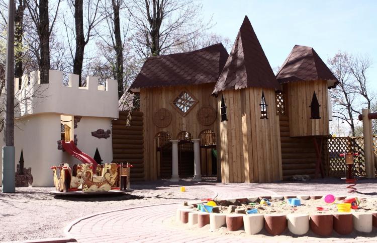 """""""Карл и Фридрих"""" открывает детский городок"""