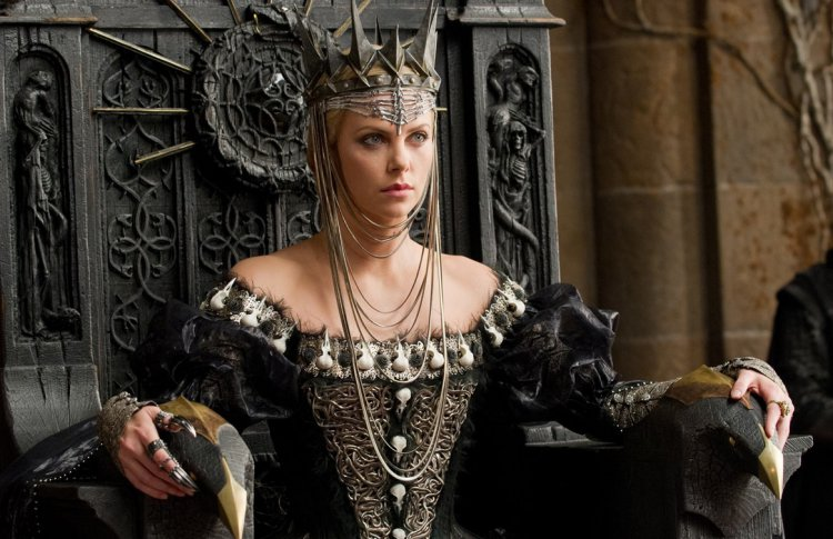 Анджелина Джоли («Малефисента») иеще5голливудскихактрис, сыгравшихсказочныхзлодеек Фото №436749