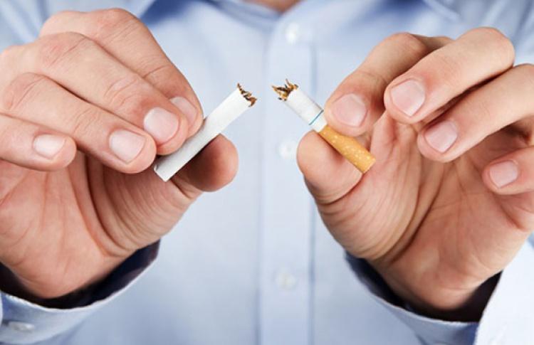 Новый антитабачный закон вступил в силу 1 июня: курить теперь нельзя почти нигде