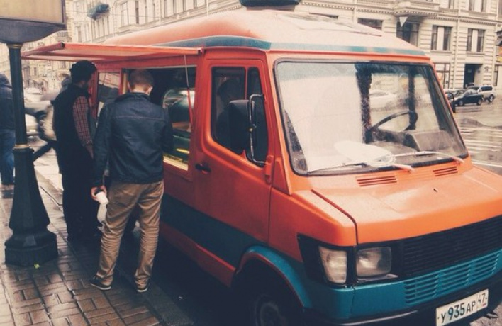 В городе появился фургончик с мороженым