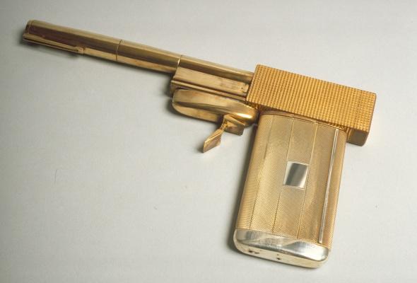 Дизайн 007: 50 лет стилю Джеймса Бонда  - Фото №1