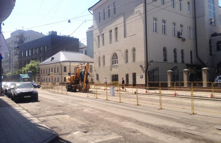 На Пятницкой улице началось обустройство новой пешеходной зоны