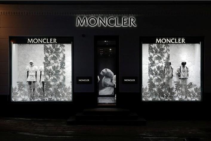 Открылся первый монобренд Moncler