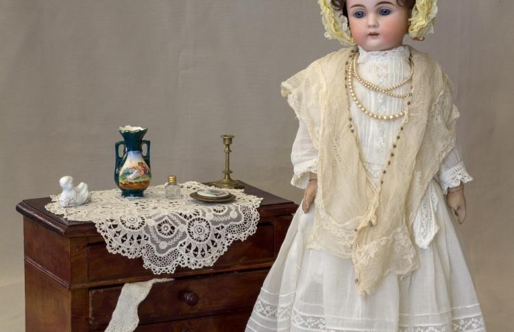 Мода по-взрослому. Истории из кукольного гардероба