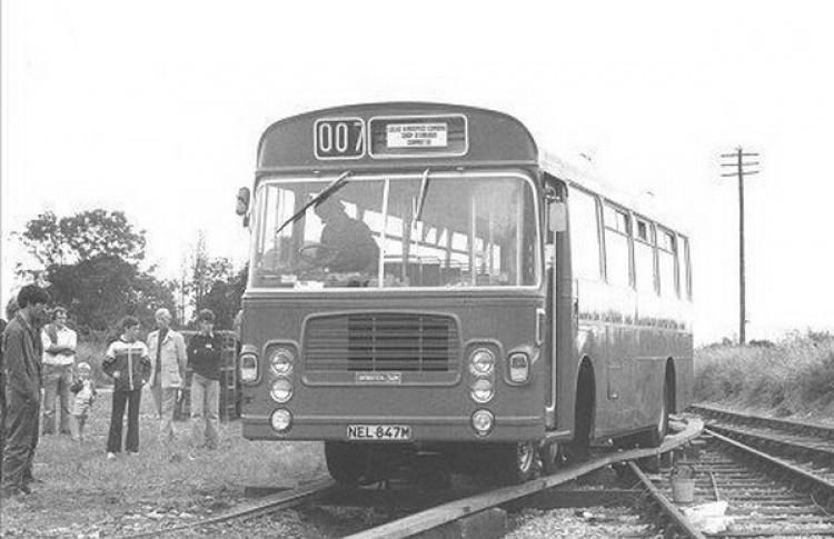 Между Петербургом и Выборгом начал курсировать рельсовый автобус
