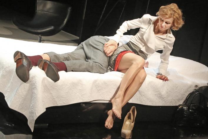 Итоги театрального сезона: любовные истории и семейные коллизии на сцене