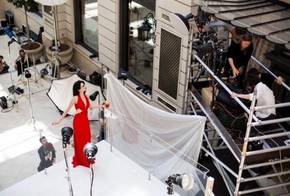 Ева Грин стала лицом календаря Campari на 2015 год - Фото №5