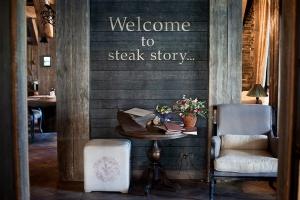 На Васильевском острове открылся ресторан-шале Steak Story