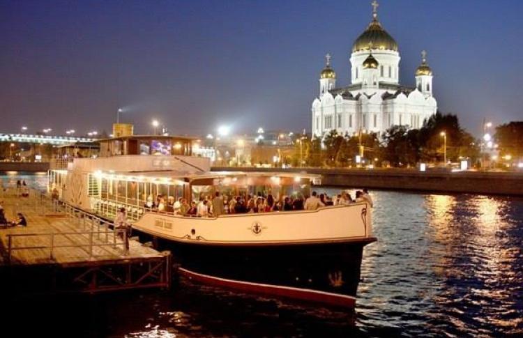 Остров Москва: «Москва по течению. Москва против течения»