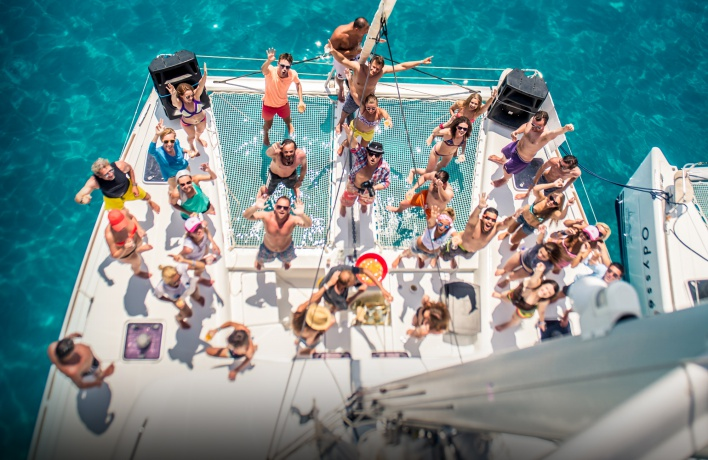 SAILS UP! Party Yacht Week