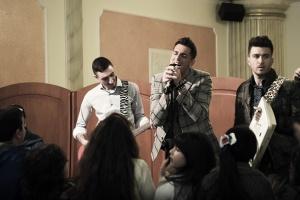 Felicità Italiana: Песни, мафия, Неаполь