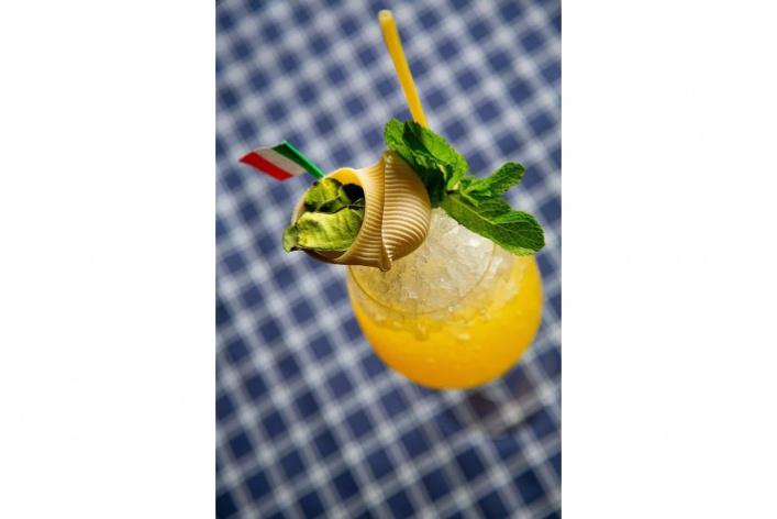 Бар Martinez празднует трехлетие обновленным коктейльным меню