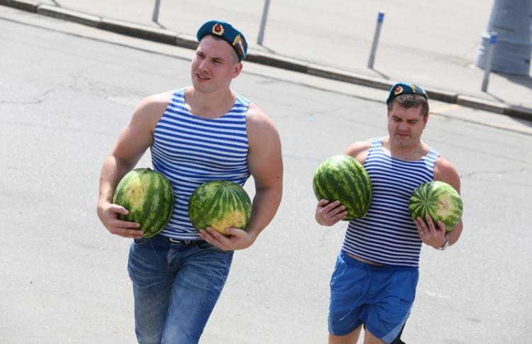В День ВДВ москвичей накормят арбузами