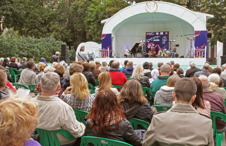 Фестиваль «Джаз в саду Эрмитаж»