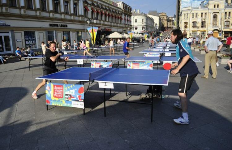 На Кузнецком Мосту начался открытый турнир по пинг-понгу