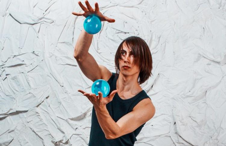 Уличный спорт: пинг-понг, жонглирование и танцы