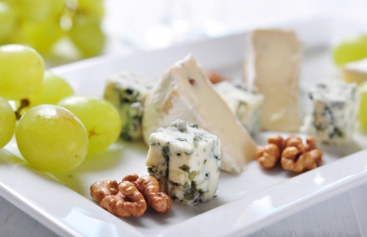 Как жить без пармезана: чем заменят продукты, попавшие под санкции