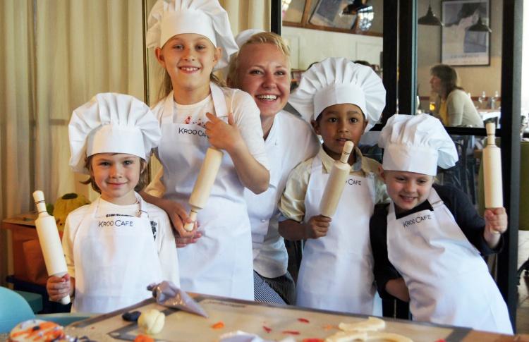 Уроки парижской кухни в настоящих поварских колпаках