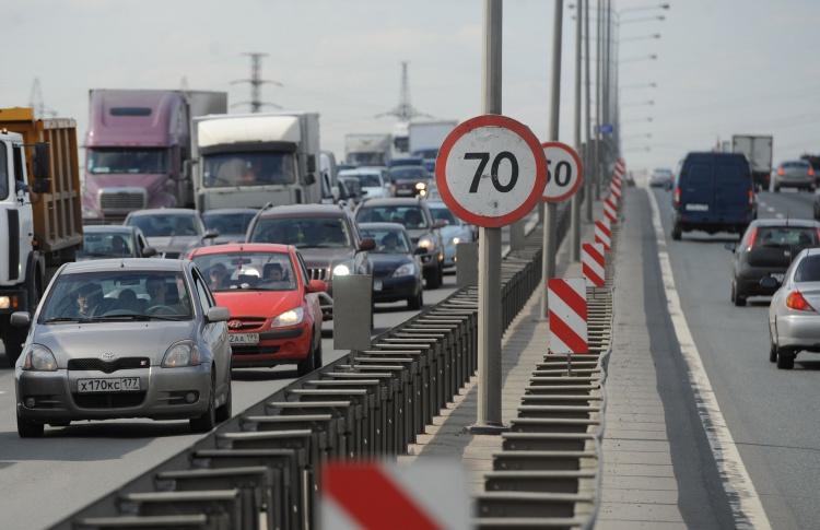 Водителей начнут штрафовать за превышение скорости на 10 км в час