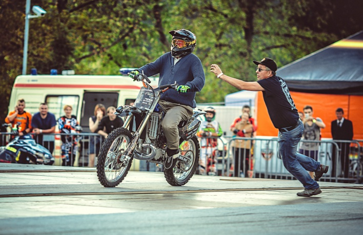 В Москве прошло мотофристайл-шоу Adrenaline FMX Rush