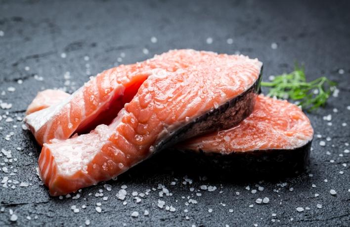Норвежский лосось возвращается в московские магазины через Белоруссию