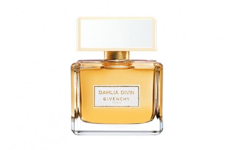 Женские парфюмы: лучшие новинки осени