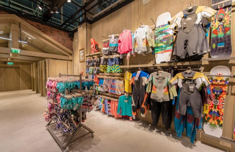 В Петербурге открылся экстрим-магазин Boardriders Фото №446832